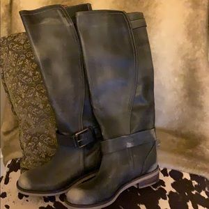 36f8fdb1215b4 Lucky Brand. Never worn destroyed boots